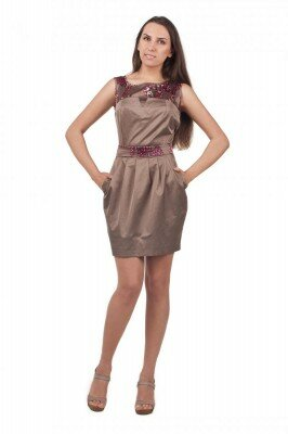 атласное коктельное платье с объёмной юбкой