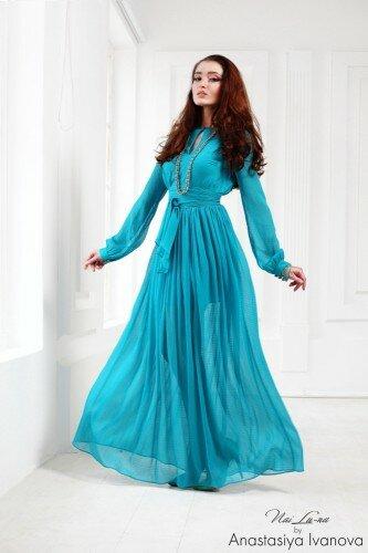 длинное вечернее платье голубое с присборенной юбкой и длинным рукавом цена