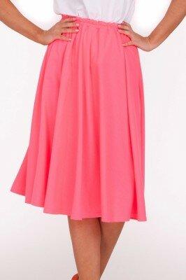 розовая юбка до колен