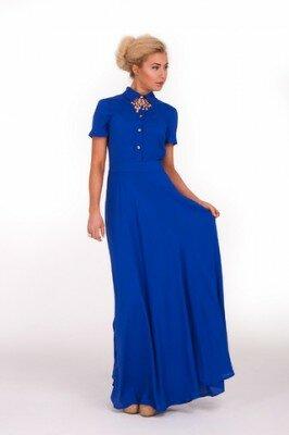 синее платье в пол с коротким рукавом