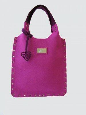 сиреневая женская сумка из фетра