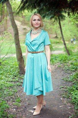 платье на выход голубое с пояском