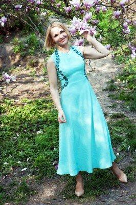 платье на выход голубое