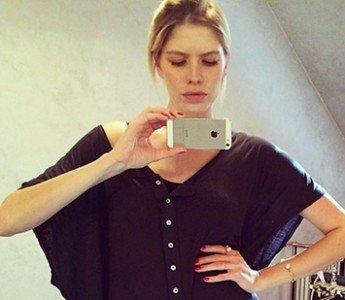 Звездных Selfie: красавицы без макияжа