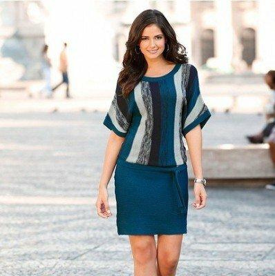 синее трикотажное платье с напуском