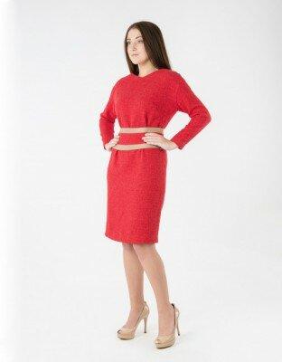 ярко красное платье утеплённое