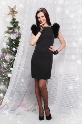 нарядное чёрное платье с короткими рукавами из меха