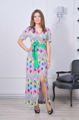 платье разноцветное с запахом с зелёным поясом и боковым передним разрезом