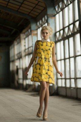 жёлтое платье в яблоко короткое цена