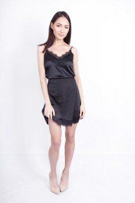 короткое чёрное платье на бретелях цена
