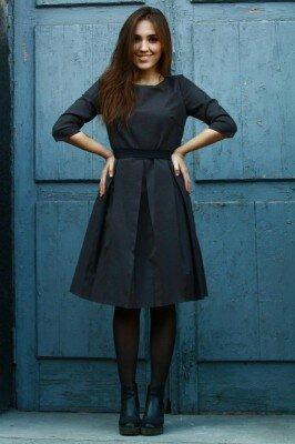 коричневое платье с юбкой в складку цена
