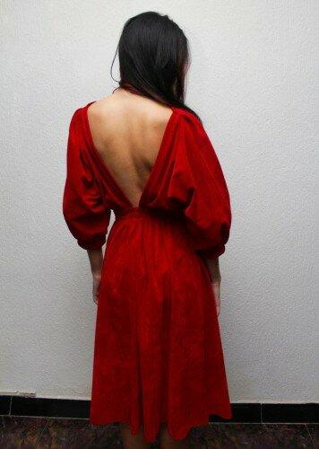 красное платье с открытой спиной цена