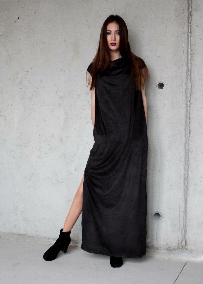 Вечернее черное платье в пол от Natalia Kravchenko