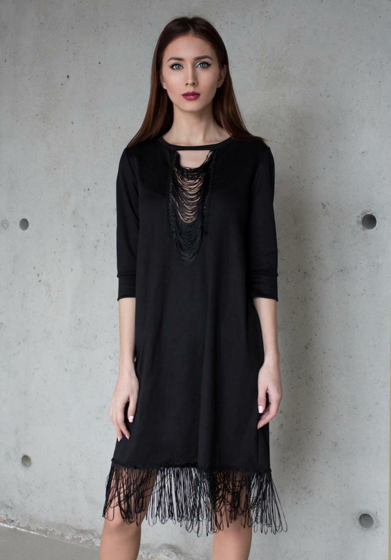 Черное закрытое платье