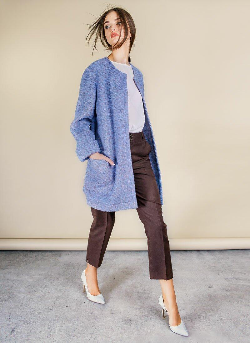 пальто голубого цвета букле фото