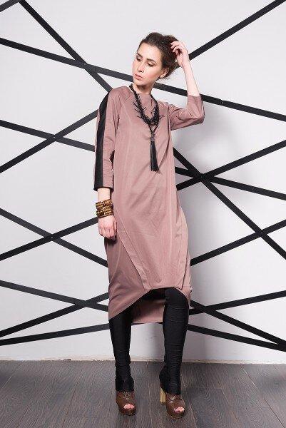Дизайнерское платье бежевого цвета