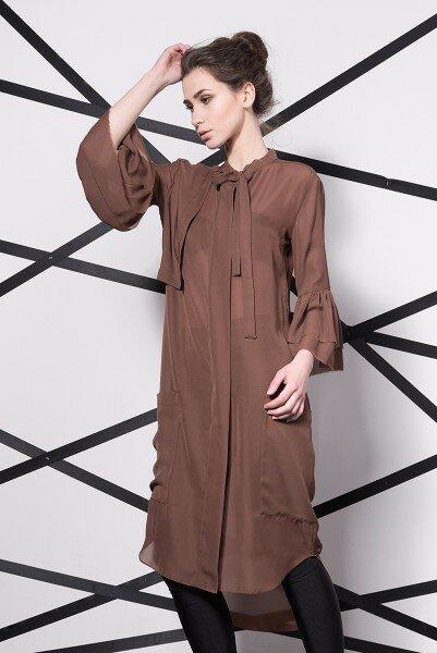 Коричневое шифоновое платье